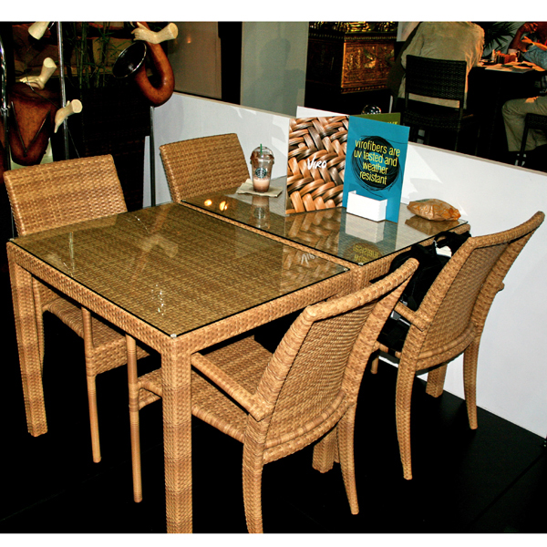Outdoor Dining Table With Arm Chairs